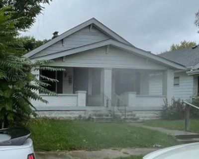 Preforeclosure Property in Indianapolis, IN 46201 - - 840 N Gladstone Ave