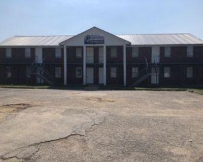 840 Old Hickory Blvd #D, Jackson, TN 38305 2 Bedroom Apartment