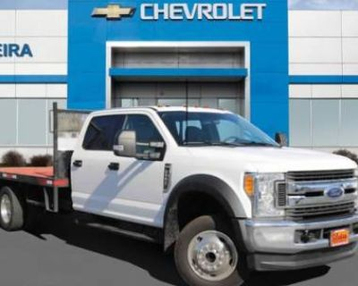 2017 Ford Super Duty F-550 Chassis Cab XLT