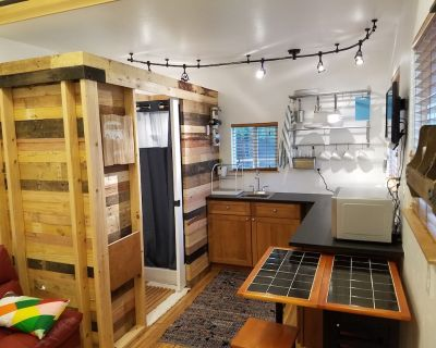 Tiny Home in the Heart of the City- ECO FRIENDLY - Virginia Village