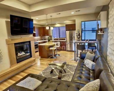 Retreat-modern 2 bedroom townhome in heart of LoHi – Denver