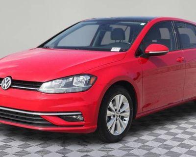 2018 Volkswagen Golf SE