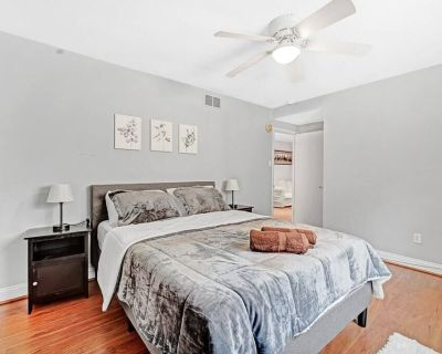 The Getaway Pad - Spacious Philly Flat | Extended-stays Welcome - Northeast Philadelphia