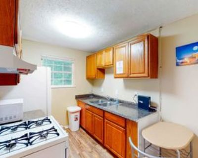 Room for Rent - Lithonia Home, Lithonia, GA 30058 5 Bedroom House