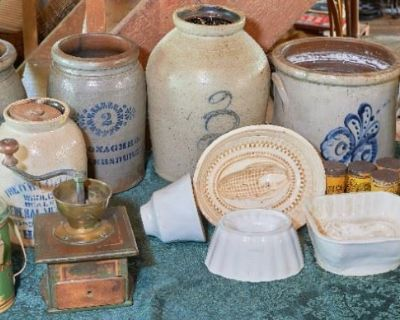 COUNTRY ANTIQUES GALORE !