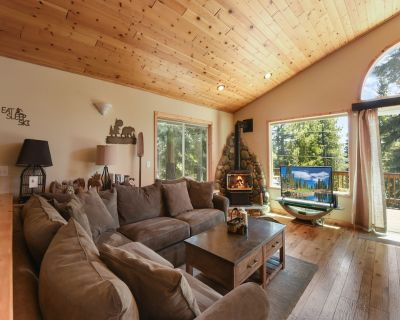 House w/ Bbq, Game Room, Ping Pong Table 3 Miles to Donner Lake - Truckee