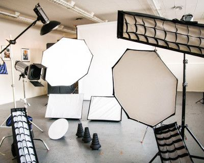Photography Studio with Included Lighting Assistance, Oakland, CA