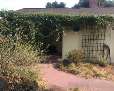 Sunny furnished bedroom available mid-Sep in Covid-savvy Menlo Park