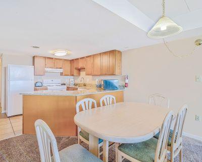3 Bedroom Bayfront Condo - 4 Blocks to the Beach! - Midtown Ocean City