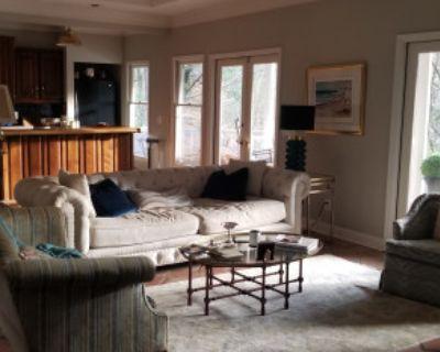 Mid-Century Home Perfect for Events, Atlanta, GA