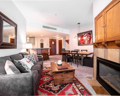 Newly Renovated Luxury Condo at Sundial Lodge, Ski in/Ski out - Park City