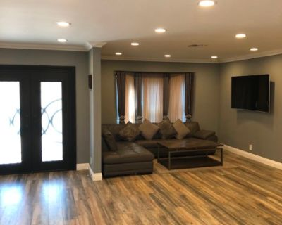 New modern style house with great lighting and extra seating., Panorama, CA