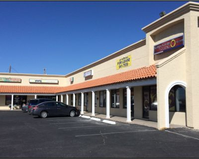 In Line Salon or Retail Space - West