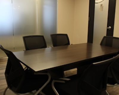Private Meeting Room for 10 at Downtown Tower Executive Office Suites