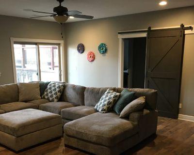 Private room with own bathroom - Wichita , KS 67230