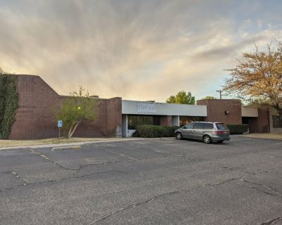 Freestanding Warehouse Minutes from I-25