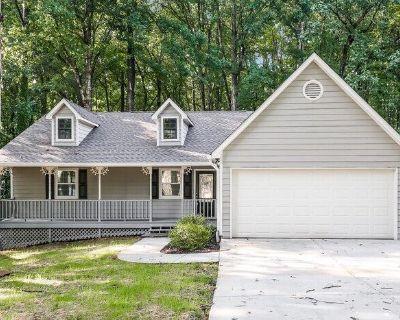 1250 Grayland Hills Dr , Lawrenceville, GA 30046
