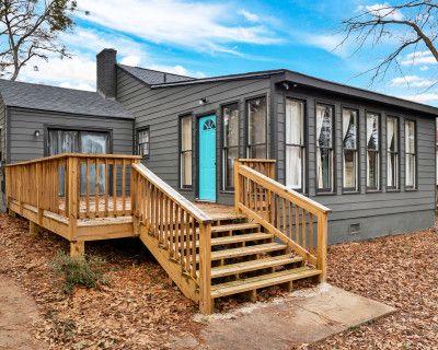 New!! The Craftsman Cottage - urban ATL retreat!, Atlanta, GA