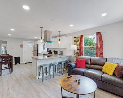 Remodeled Southwestern 3 Bedroom Home in Denver - Berkley