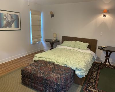Private unit with separate entrance(no shared spaces) - Lawrenceville