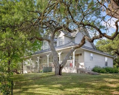 Creekside Country Guesthouse 2 Bedroom Plus Loft Beautiful Country Setting - Fredericksburg