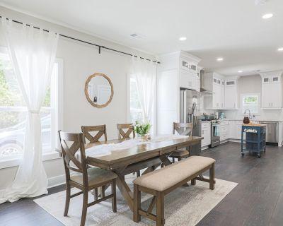 Midtown Southern Luxury Cottage - Underwood Hills