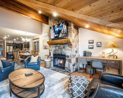 *FREE KAYAKING* Walk to Skiing 200 Yards to Lift, Private Hot Tub, Great for Families 3 King Beds - Downtown Park City