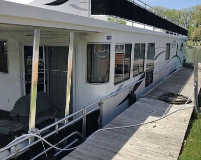 Houseboat at the Mouth of Seneca Lake! - Fayette