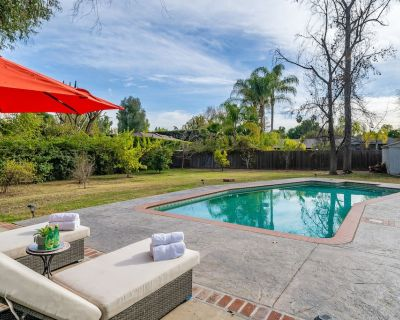 Immaculate Luxurious Modern Ranch Home with Pool! - Woodland Hills