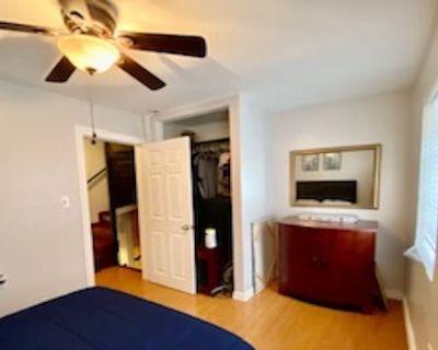Private room with shared bathroom - Philadelphia , PA 19122