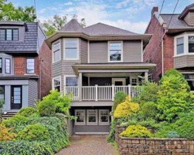 124 Kenilworth Avenue #26598, Toronto, ON M4L 3S6 3 Bedroom House