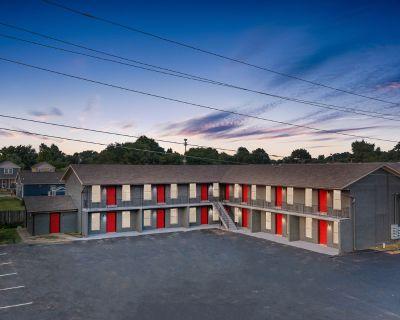 Updated 14 Unit apartment building