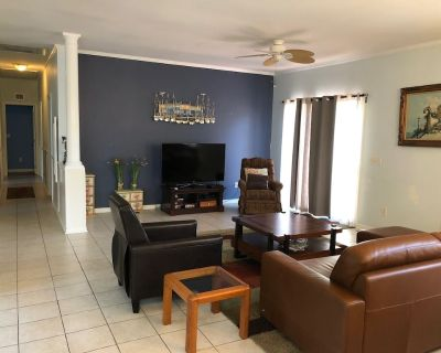 Quiet neighborhood/ pets friendly? fenced in / close to beach - The Glade