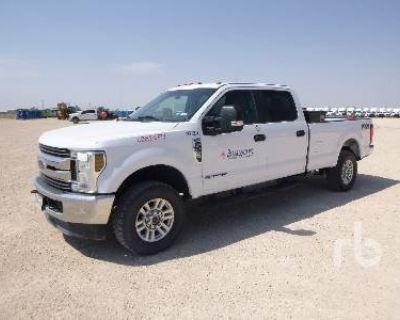 2019 FORD CREW CAB 4X4 Pickup Trucks Truck