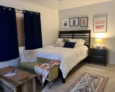 Private Sanitized Room w/ Personal Entrance & Secluded Outdoor Courtyard - Paradise Valley Village