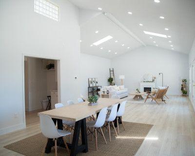 Naturally Lit Multi-Purpose Studio Open 24 Hours on 5 Acre Lot, Los Angeles, CA
