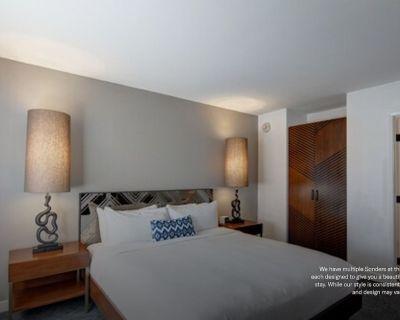 Sonder at V Palm Springs | ADA Compliant Room - Palm Springs
