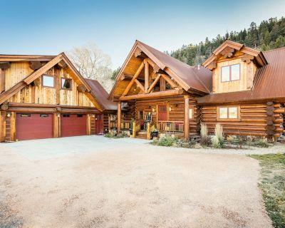 River Crest Cabins, River Front Luxury Log Home, Slps 20, Hot Tub, Chefs Kitchen - South Fork