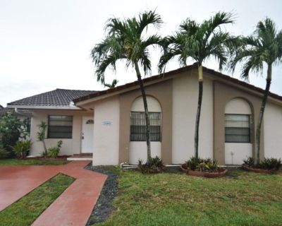 Spacious Family Home to Rent short & long 3 beds - 2 baths