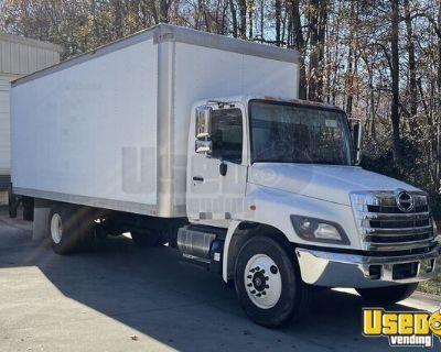 2014 Hino 268 22' Box Truck 375hp 10-Speed Automatic