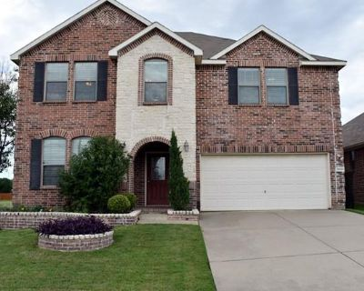 3901 Hollow Lake Rd, Fort Worth, TX 76262