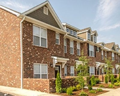 Townhome -2br/2ba