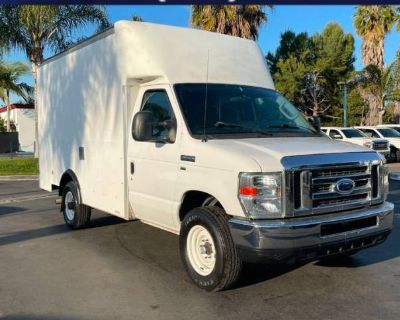 2012 Ford Econoline Commercial Cutaway E-350
