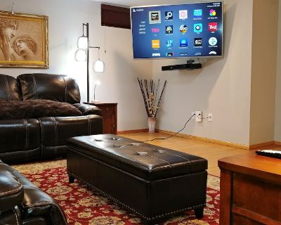 Luxurious Family-Friendly Basement Apartment (1800 Sq Ft In Size) - Mitchellville