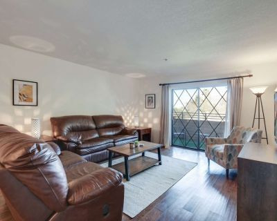 Dog Friendly, Heated Pool, Spa, & Fitness Room, Close to Old Town Scottsdale, Golf, Bike/Run Paths! - South Scottsdale