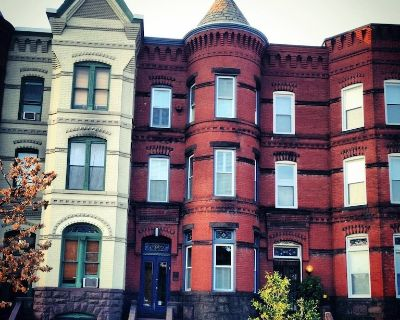 Capitol Hill/Eastern Market Furnished Apartment (Family-Friendly) - Eastern Market