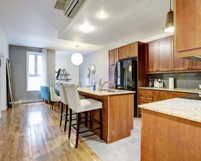 2 bedroom Condo in the heart of Old Port Montreal - Old Montreal