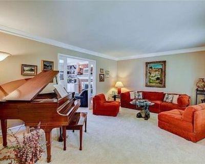 Coming Soon - Blue Moon Estate Sale in Sandy Springs/High Point
