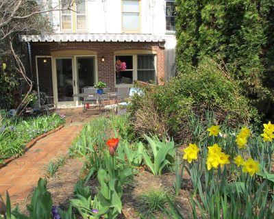 Georgetown Garden Apartment - Northwest