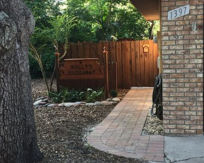 Holly's Hideaway Mt Dora Charming 2/2 in Historic District - Mount Dora